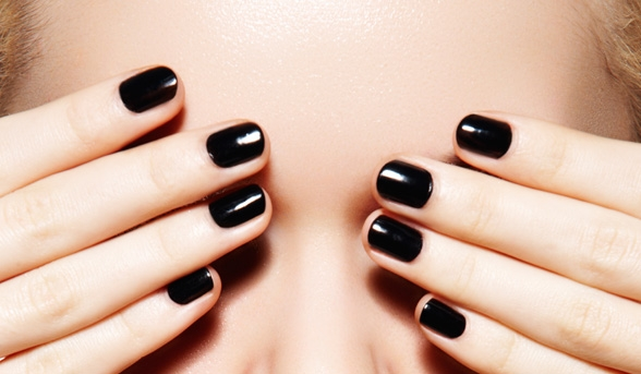 14531-main-blacknails